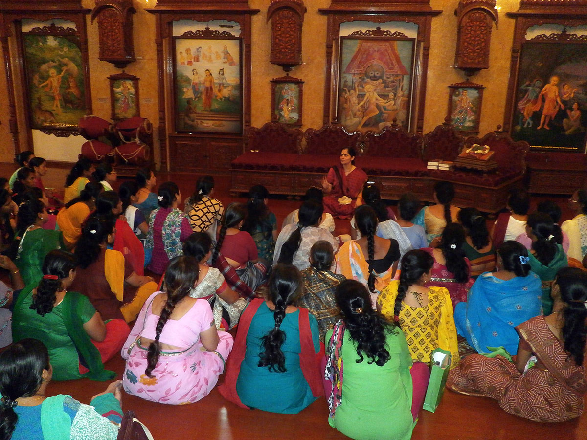 Discussing the purpose of bhakti and devotion (November, 2015)